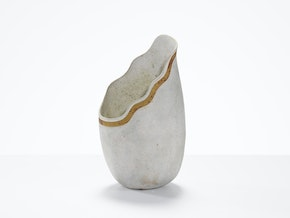 Spout Pot with Spiral